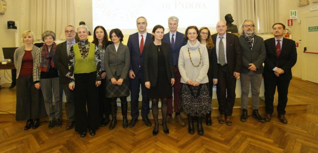 Members of SAR Italy